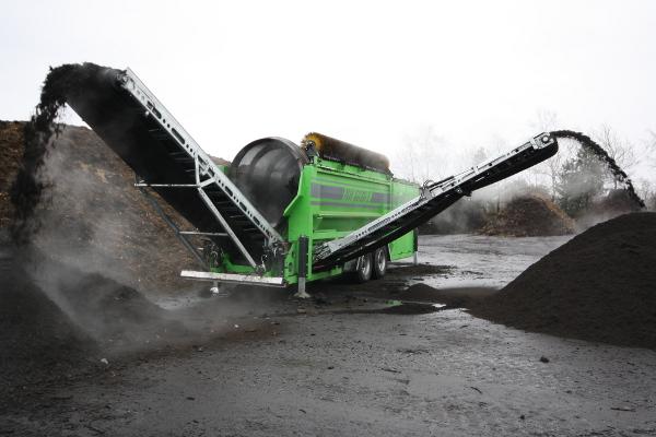 Przesiewanie kompostu sito bębnowe