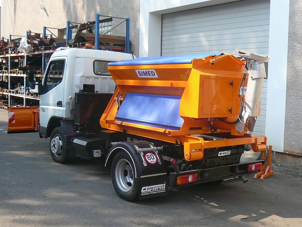 hakowe-3,5-tony-posypywarka-plug